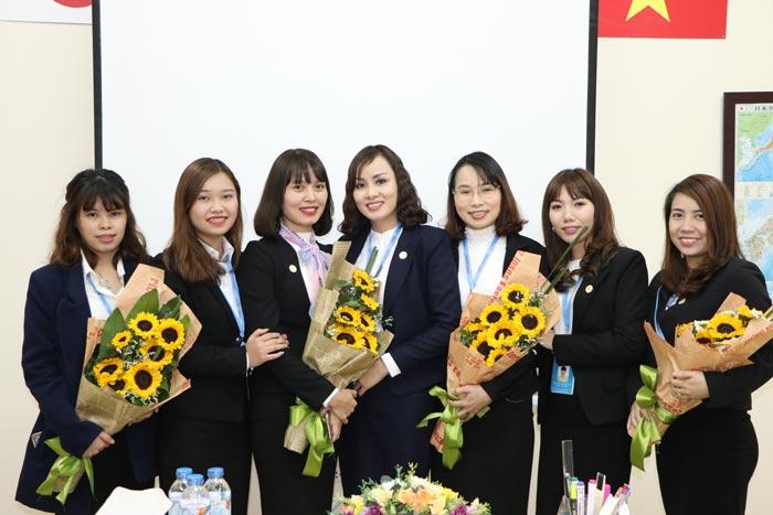Các nữ cán bộ phòng Nhật Bản - công ty Năm Châu IMS