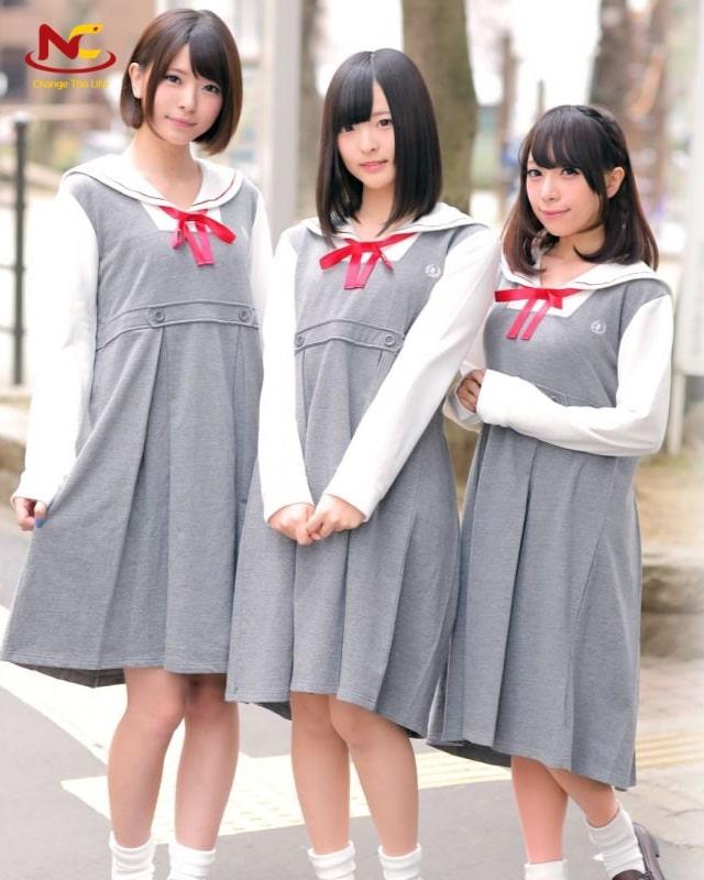 Đồng phục kiểu váy liền