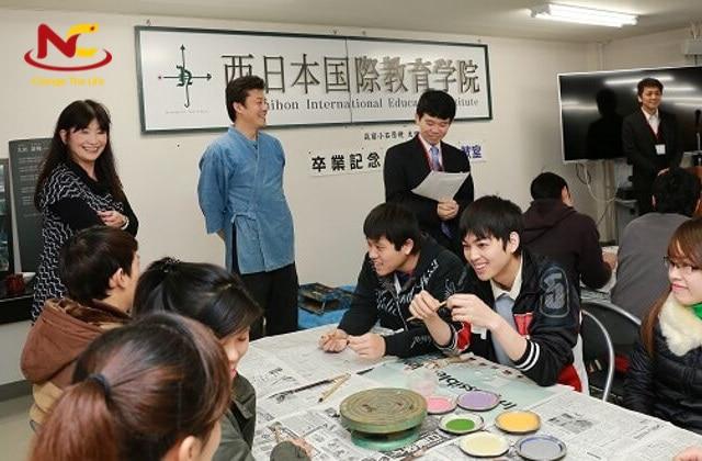 Sinh viên trường Nhật ngữ Nishinihon