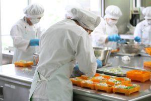 Đơn hàng chế biến thức ăn kèm Nhật Bản tuyển 06 lao động nữ